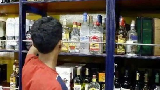 According to experts, the liquor business in Delhi is shrouded in opacity and controlled by a handful of individuals or groups.(File photo. Representative image)