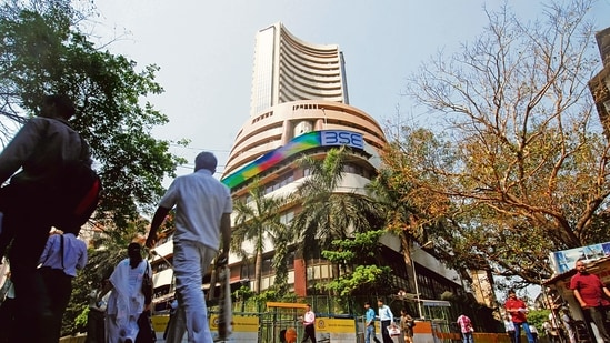 Sensex plunges nearly 2,000 points, Nifty down 568 points to end at 14,529(MINT_PRINT)