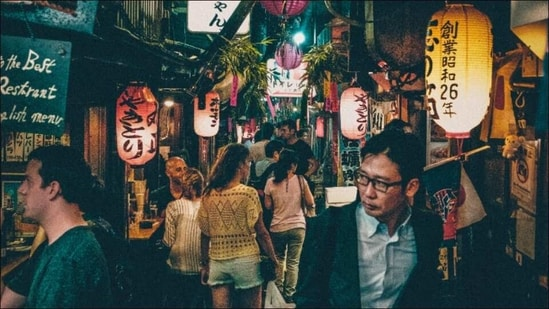 Japan to lift emergency coronavirus measures as Covid-19 infections decline(Photo by Chris Yang on Unsplash)
