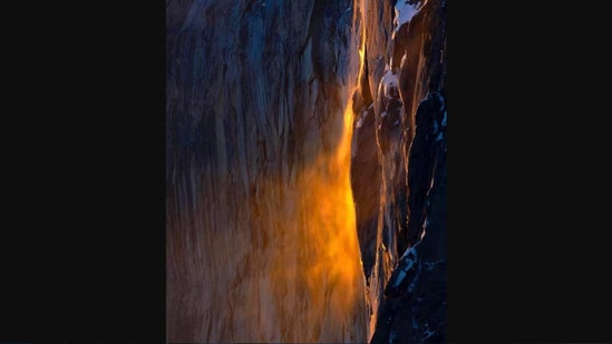 """""""Firefall"""" optical illusion at Yosemite National Park in the US."""