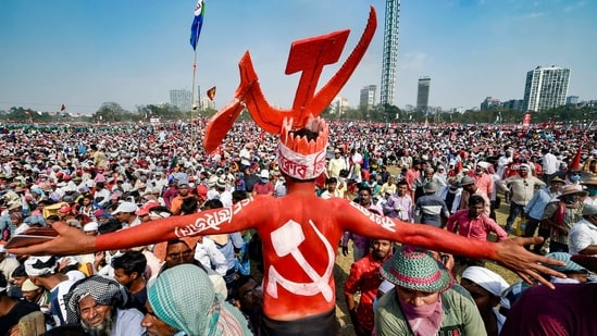 Supporters during Left-Congress and Indian Secular Front (ISF) joint rally, ahead of West Bengal assembly polls, at Brigade Parade Ground, in Kolkata,(PTI)