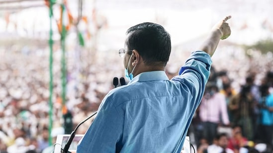 **EDS: TWITTER IMAGE POSTED BY @AAPUttarPradesh ON SUNDAY, FEB. 28, 2021** New Delhi: AAP National Convenor and Delhi CM Arvind Kejriwal addresses during a farmer's rally, in Meerut. (PTI Photo)(PTI02_28_2021_000159B)(PTI)