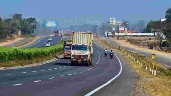 Noting the feat, Gadkari also said that the Solapur-Bijapur highway will be completed by October 2021.(File photo)
