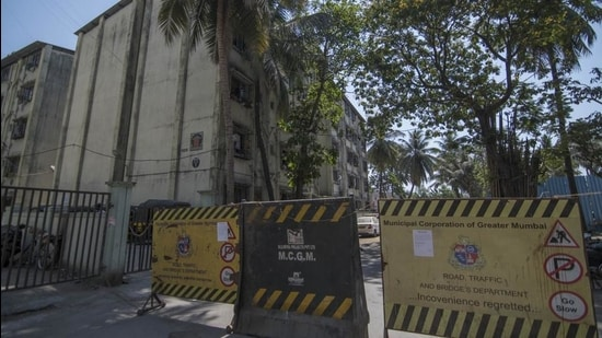 Of the 127 buildings that have currently been sealed in Mumbai, S ward (Bhandup, Powai and Vikhroli) houses the highest (18) number of structures. (HT File)