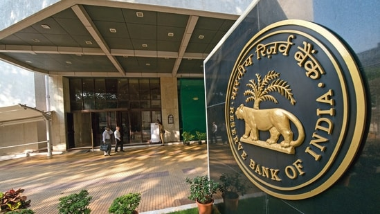 Not an unmixed blessing': RBI report amid plan for digital currency - Hindustan Times