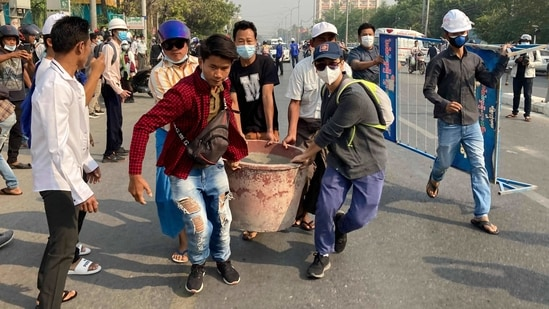 Junta leader General Min Aung Hlaing has said authorities have been using minimal force. Nevertheless, at least three protesters have died over the days of turmoil. The army said a policeman has been killed in the unrest.(AP)
