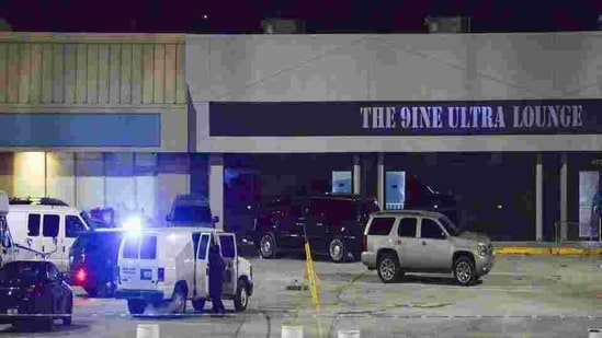 """The bomb squad and SWAT team were on the scene of what police described as an """"active situation.""""(AP file photo)"""
