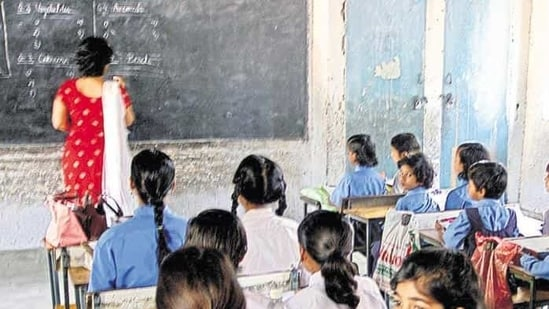Currently, schools are functioning for students of classes 6 to 12 with 50% attendance and other restrictive measures due to the pandemic.(Hindustan Times Media)