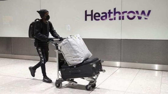 Heathrow has been hit particularly hard by the pandemic since it relies on long-haul markets that have been all-but wiped out. February 15, 2021. REUTERS/Hannah McKay/Files(REUTERS)