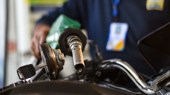 A doubling in the price of crude oil over the past 10 months has contributed to record fuel prices at gas stations in India.(Amal KS/ Hindustan Times)