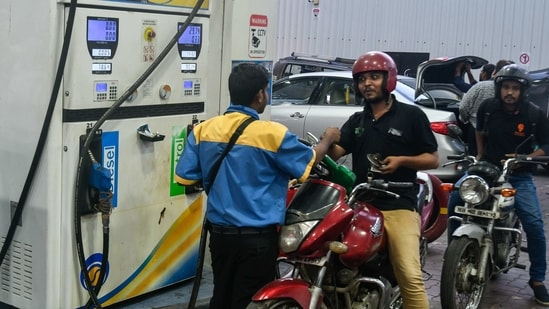 Petrol and diesel prices vary from state to state, due to various taxes levied by the central government and the state government concerned.(HT Photo)
