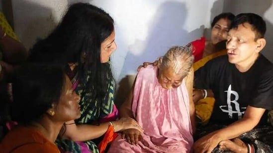 The woman who was allegedly attacked is visited by BJP's Agnimitra Paul (Left).(Twitter/@BJP4Bengal)