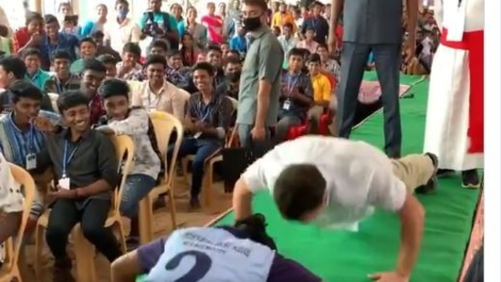Rahul Gandhi was seen doing push-ups with a Class 10 student.(Videograb )