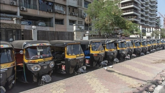 Many autorickshaw drivers said they were not aware of display of tariff cards and continued to charge the earlier tariff. (HT FILE)