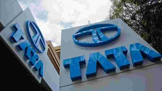 The Tata Motors spokesperson said with conventional vehicles (with IC engines), the actual range achieved in EVs is dependent on AC usage, individual driving style and the actual conditions in which the vehicle is driven.(Reuters )