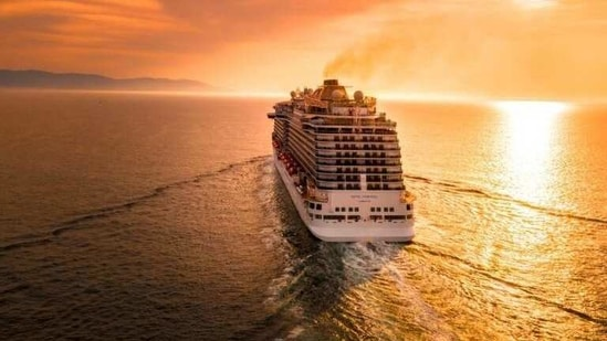 Round-the-world cruises are selling out (Unsplash)