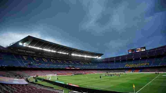 Soccer Football - La Liga Santander - FC Barcelona v Osasuna - Camp Nou, Barcelona, Spain - July 16, 2020 General view inside the stadium before the match, as play resumes behind closed doors following the outbreak of the coronavirus disease (COVID-19) REUTERS/Albert Gea(REUTERS)