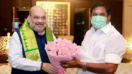 A senior BJP leader said the party wanted to clinch the seat-sharing deal before home minister Amit Shah's expected visit on March 7. In picture - Amit Shah and TN CM Edappadi K Palaniswami.(ANI)