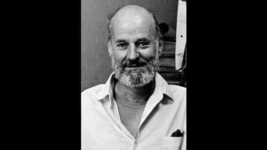 Lawrence Ferlinghetti (1919-2021). (Elsa Dorfman via Wikimedia Commons)