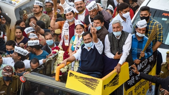 AAP National Convenor and Delhi CM Arvind Kejriwal during a roadshow for MCD by-elections in Shalimar Bagh village, New Delhi.(PTI)