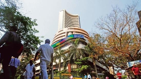 On the Sensex chart, M&M, NTPC, Bajaj Auto, Tech Mahindra, TCS and Maruti emerged as top gainers.(Mint)