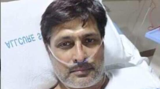 Salil Ankola shares his pic from the hospital.(Instagram)