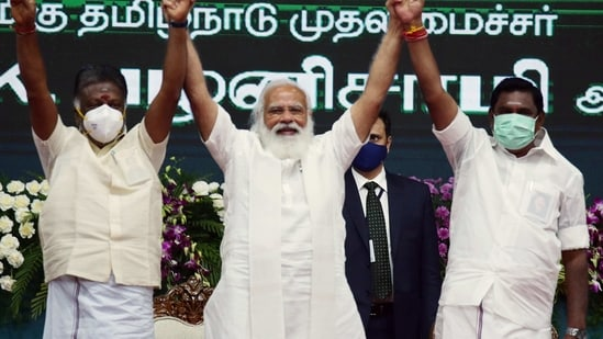 Prime Minister Narendra Modi with Tamil Nadu Chief Minister Edappadi K Palaniswami and Deputy Chief Minister O Panneerselvam during the inauguration and laying the foundation of various projects, in Chennai.(ANI)