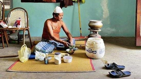 In his 60s, Mr Hashim lives alone.(Mayank Austen Soofi)
