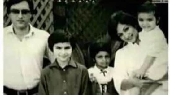Saif Ali Khan poses with his parents and siblings for a family portrait.