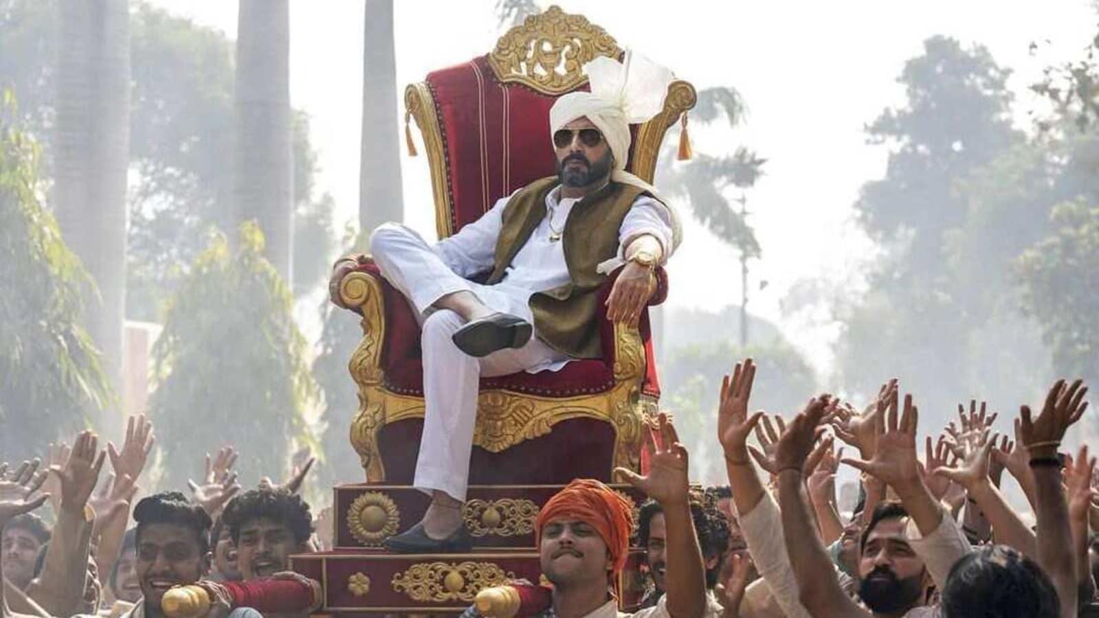 Abhishek Bachchan carves a powerful figure as Ganga Ram Chaudhary in new Dasvi still - Hindustan Times