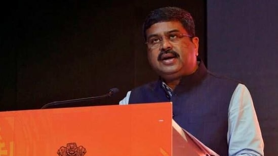 FILE PHOTO: India's Oil Minister Dharmendra Pradhan speaks at a road show organised by the Directorate General of Hydrocarbon (DGH) in Mumbai, India, October 26, 2017. REUTERS/Shailesh Andrade(REUTERS)