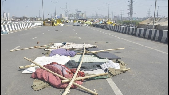 A dismantled tent at Ghazipur (Delhi-UP border) during the ongoing protest against the new farm laws, near Ghaziabad, on Wednesday, March 3. (Sakib Ali /HT photo)