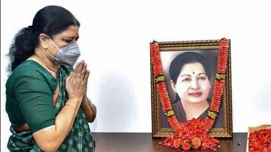 Expelled AIADMK leader VK Sasikala pays tribute to former Tamil Nadu chief minister J Jayalalithaa. (PTI)