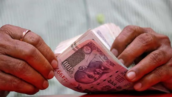 The EPFO has decided it will pay an 8.5% interest on deposits based on the current position of earnings and deposits of the organisation.(File photo)