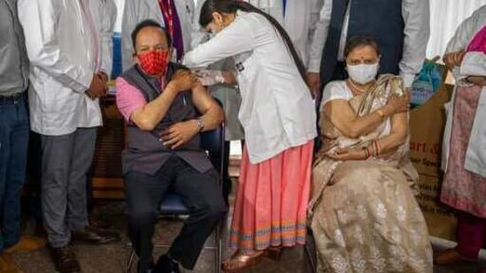 Union health minister Harsh Vardhan and his wife received vaccines on Wednesday in Delhi. (AP)