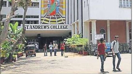 Students at St. Andrew's College of Arts, Science and Commerce, Mumbai - PUNEET CHANDHOK/HT PHOTO