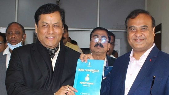 Assam finance minister Himanta Biswa Sarmah with chief minister Sarbananda Sonowal in this file picture seen presenting State Budget in the Assembly, in Guwahati. (PTI)