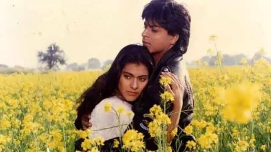 Kajol and Shah Rukh Khan in a still from Dilwale Dulhaniya Le Jayenge song Tujhe Dekha To.