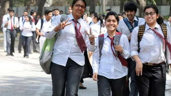 The revised date sheet for CBSE 10th and 12th examination 2021 can be checked on the official website of the board.(Parveen Kumar/Hindustan Times/For representation only)