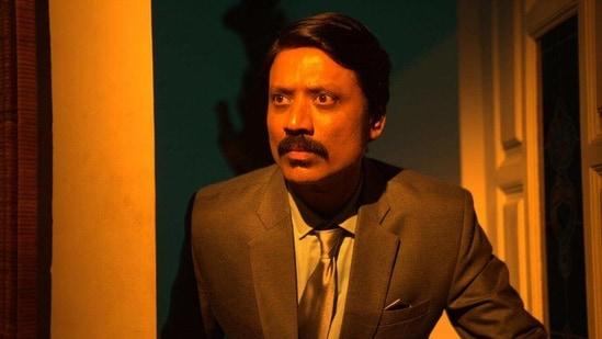SJ Suryah in a still from Nenjam Marappathillai.