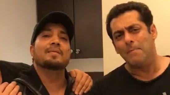 Salman Khan and Mika Singh pose together.