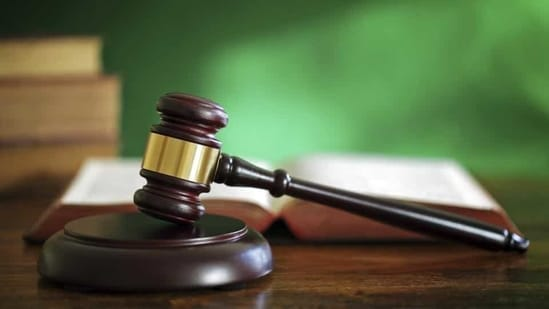 The court of chief judicial magistrate AN Dave acquitted 122 persons arrested for being members of the banned outfit SIMI, giving them the benefit of doubt.(Getty Images/iStockphoto)
