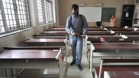 Schools, colleges, universities were closed in Rajasthan in March 2020 during the initial period of the pandemic.(Sunil Ghosh/HT file photo. Representative image)