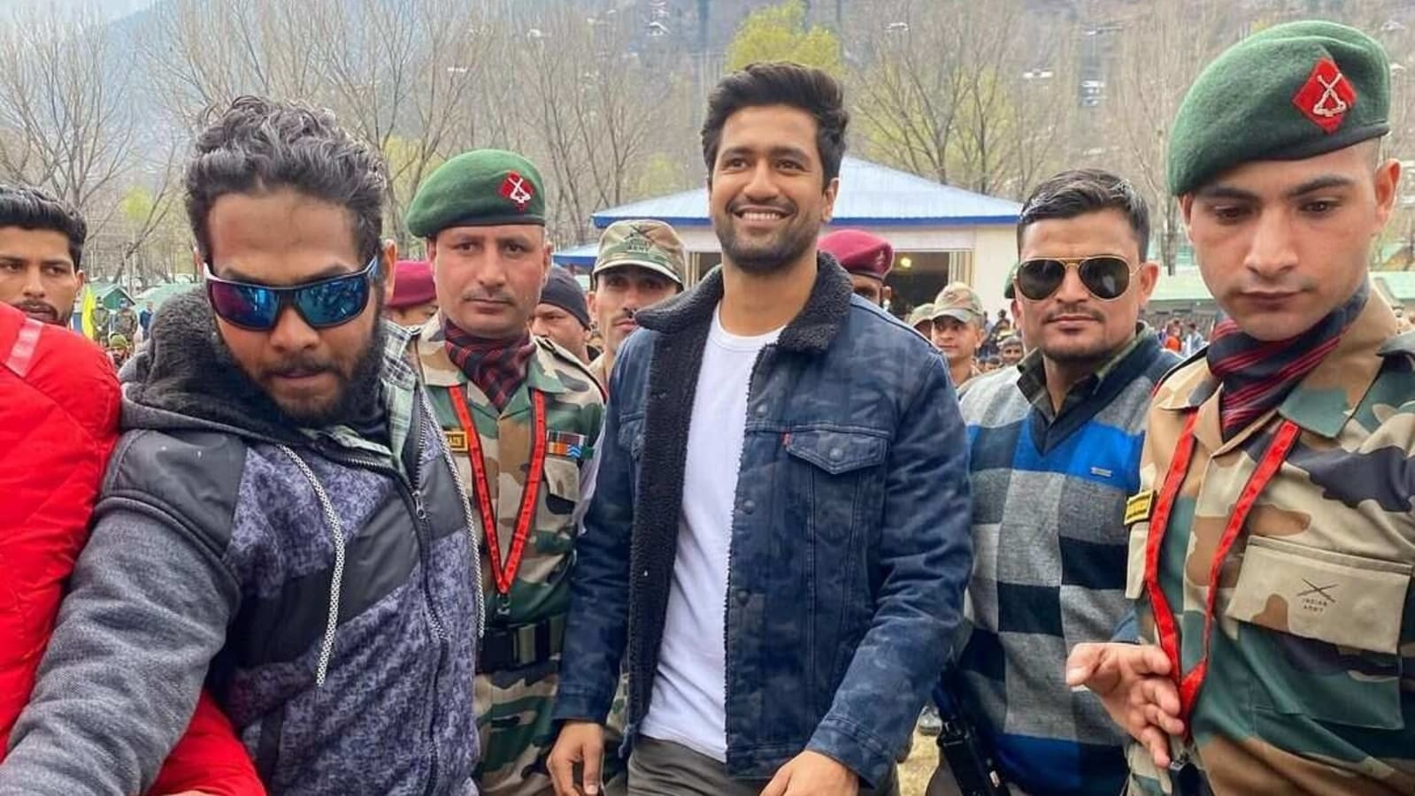 Vicky Kaushal visits Indian Army base camp in Uri, shares photos from his  'lovely day with the locals' | Hindustan Times