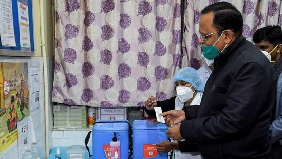 Delhi health minister Satyendar Jain a health care centre in Daryaganj, (PTI)
