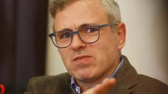 National Conference leader Omar Abdullah reacted sharply to Suvendu Adhikari's comment that West Bengal will become like Kashmir under another term of Trinamool. (HT Photo/File)