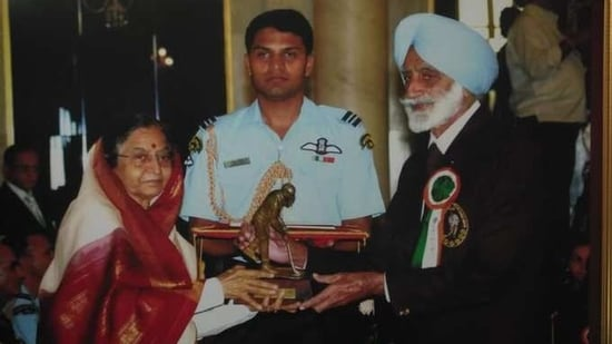 Deol had won many medals for the country and the state since 1951 and was awarded the Dhyan Chand National Award in 2009 for his lifelong contribution towards sports.(@PunjabGovtIndia)