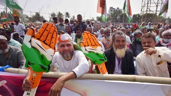 Even though the Congress is a shadow of what it used to be, it still commands a sizeable vote share at the all-India level.(PTI)