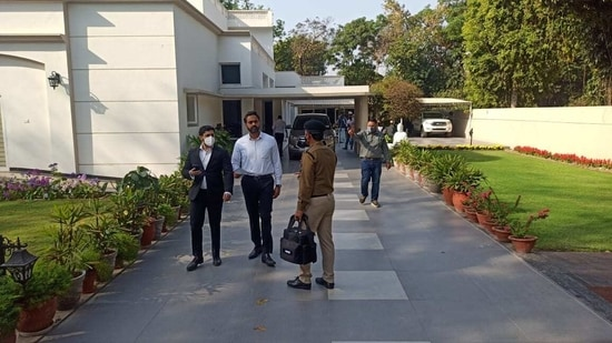 ED officials at Khaira's home in Chandigarh on Tuesday morning.(HT Photo/Ravi Kumar)