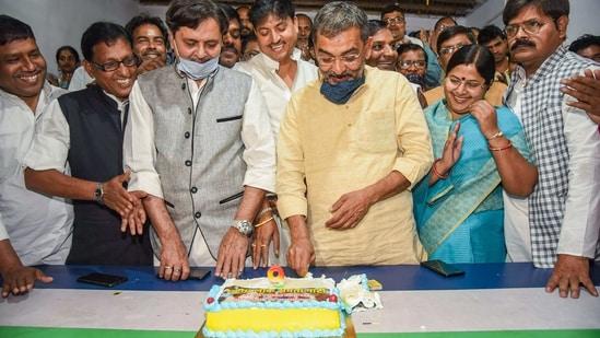 Rashtriya Lok Samta Party (RLSP) chief Upendra Kushwaha is cosying up to the JD(U)(PTI)